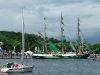 segelschiff-mit-grunen-segeln